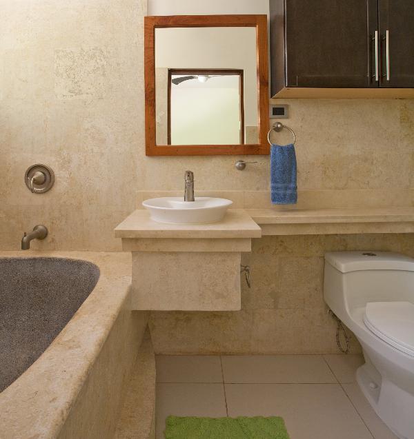 Une autre image de la salle de bain, parce que nous aimons tous une belle salle de bains.