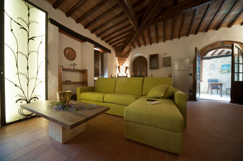 Casale Rosennano Loggia, vacation rental in Castelnuovo Berardenga