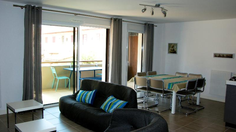 Magnifique Appartement, holiday rental in Allas-les-Mines