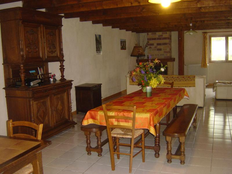 MEUBLE DE TOURISME LES GREZES 46600 SARRAZAC, holiday rental in Meyssac