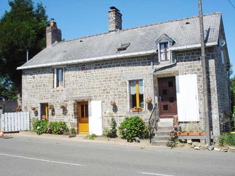 La Maison Fleurie, holiday rental in Herce