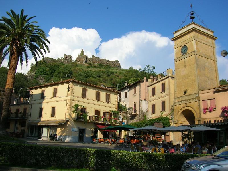 Appartamento Conti Trevignano Romano, vacation rental in Monterosi