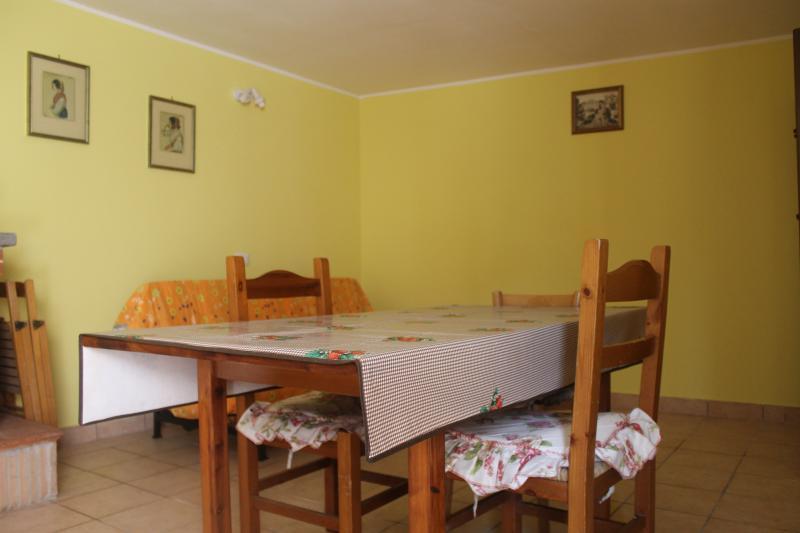Monolocale indipendente e confortevole, vacation rental in Anzio