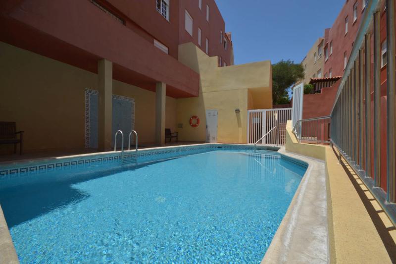 Playa San Juan, Tenerife 6 Berth Luxury Apartment, vacation rental in Guia de Isora