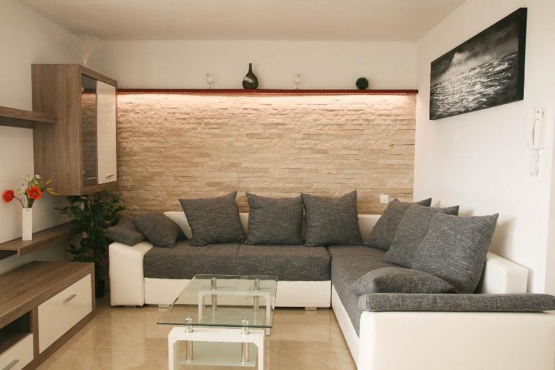 Apartments Eržen-Kamenjak,100 meters from beach, location de vacances à Medulin