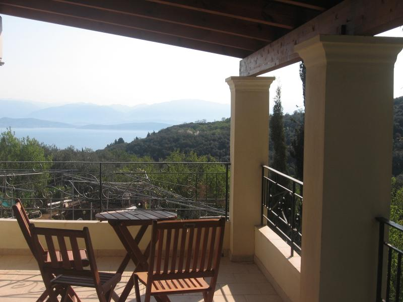 The Old Olivepress Maisonette, vacation rental in Peroulion