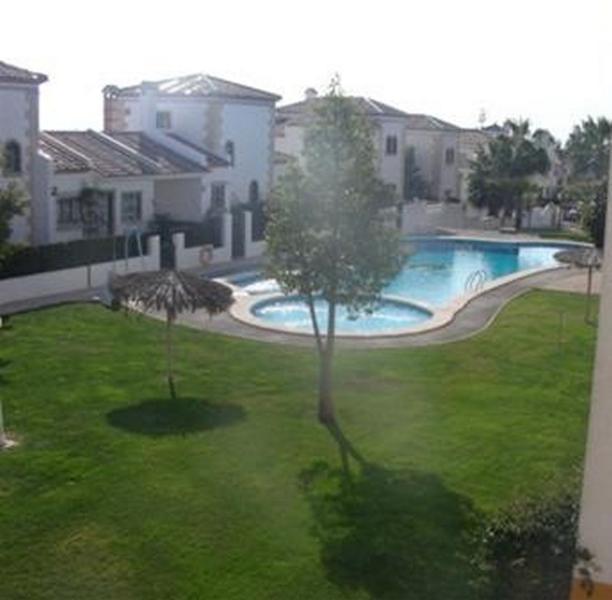 Villamartin 2 bed 2 Bath Luxury Apt in Las Violetas, Beaches and Shopping Close – semesterbostad i Orihuela