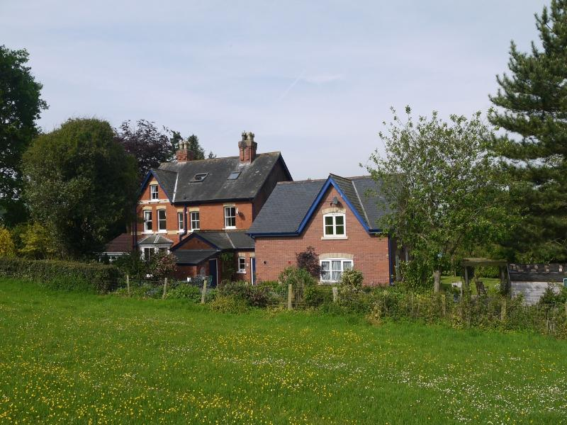 Coach House (with Main house to left)