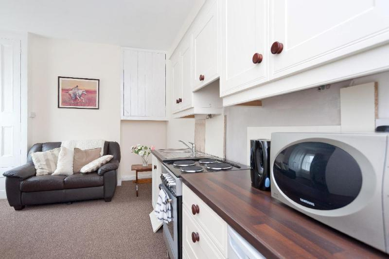 Fitted Kitchen in 'Parnell' studio.