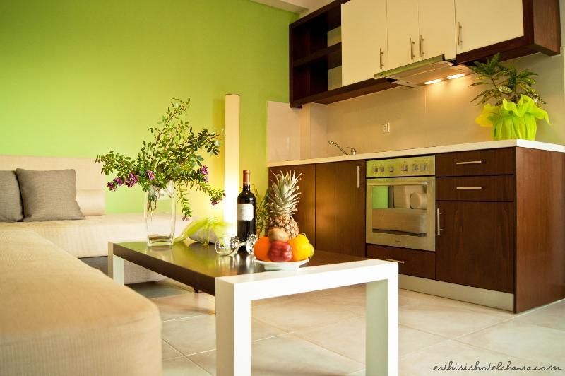 One bedoom suite - Livingroom