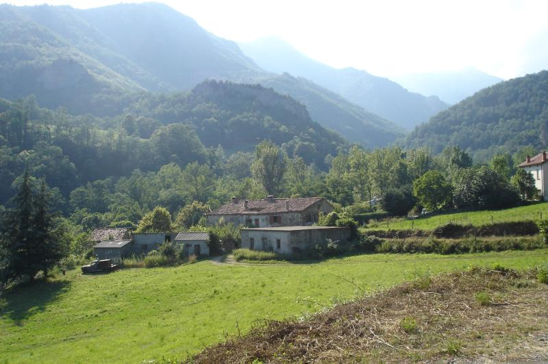 French farmhouse,  with breathtaking views, location de vacances à Beget