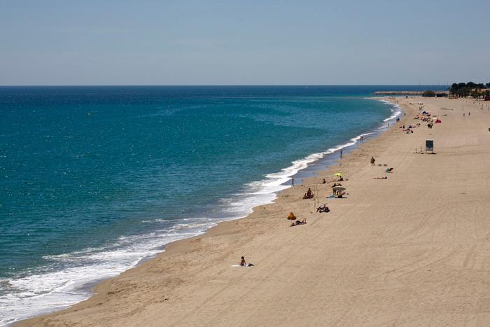 playa cristal ( Menos de 10m caminando)