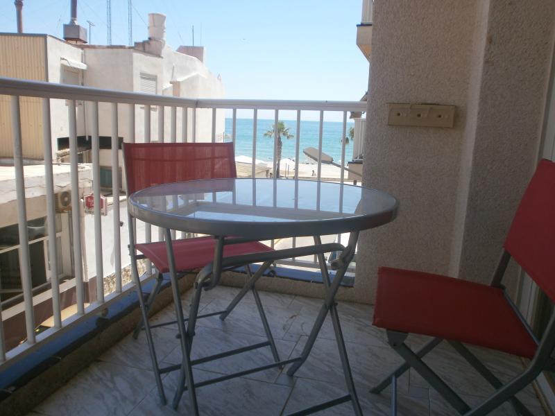 APPARTEMENT FRONT DE MER, holiday rental in Terres de l'Ebre