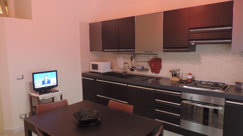 Splendido appartamento al porto, location de vacances à Casa Milazzo