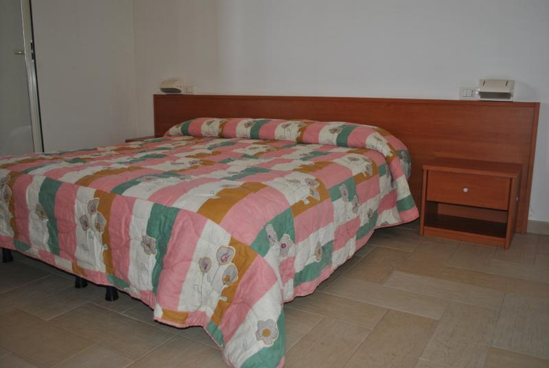 NEW PLACE, holiday rental in Misterbianco