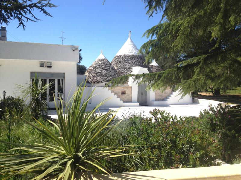 Front of Trullo Primo