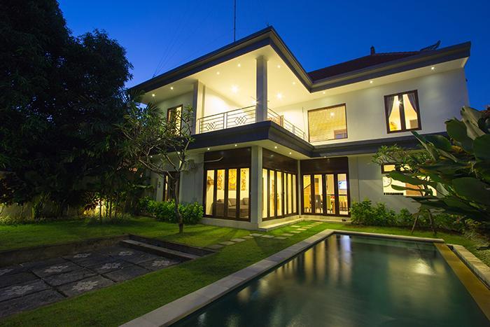 Oz Villas Bali Villa 1 3 Bedrooms Luxury Villas Updated 2021 Tripadvisor Seminyak Vacation Rental