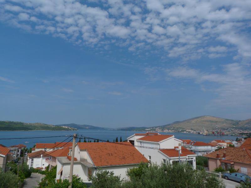 Apartments Fani, holiday rental in Okrug Gornji