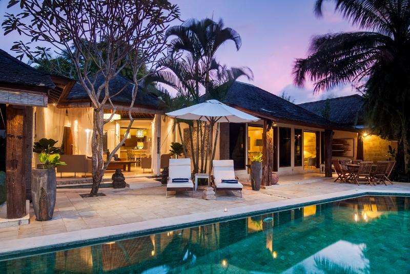 SERENE RICE TERRACE 5 STAR LUXURY PRIVATE VILLA, holiday rental in North Kuta