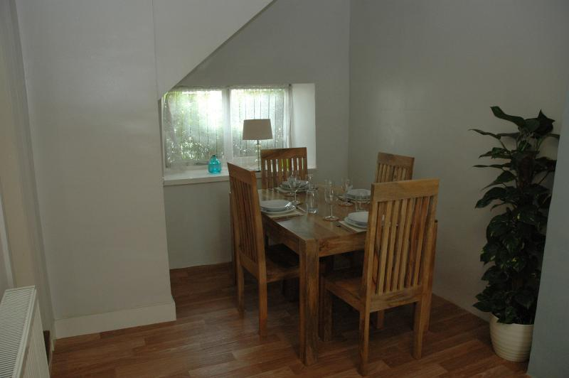 Two hundred year old spacious cottage in the centre of Kendal. Sleeps six. – semesterbostad i Kendal
