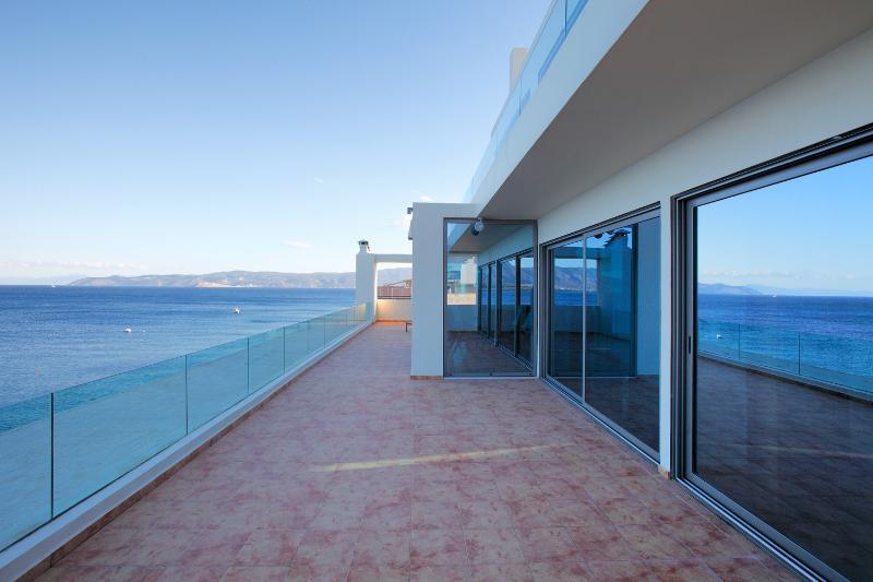 Unique sea view apartment, holiday rental in Porto Germeno