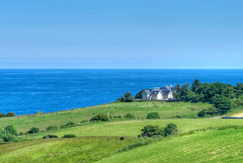 Old Manor-sea views sleeps 8-12 with four ensuites, holiday rental in Borders