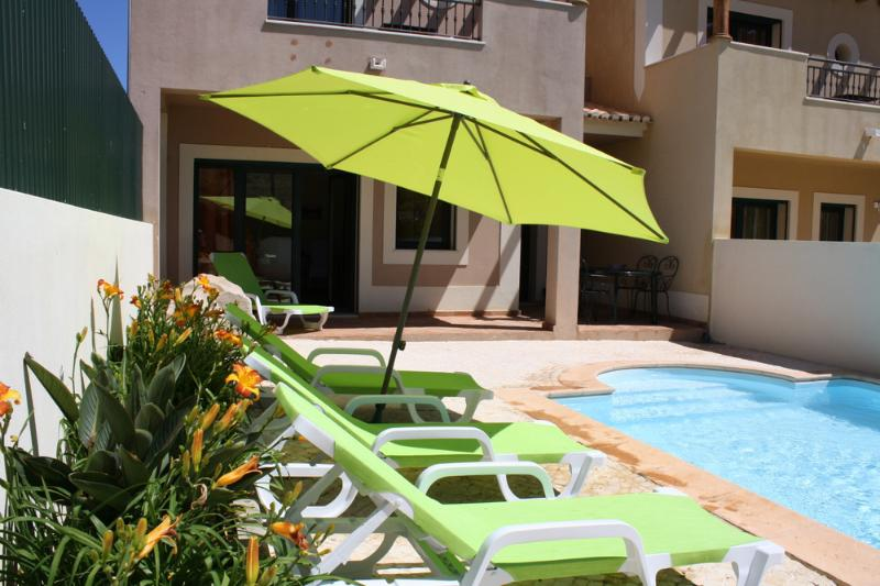 Sun, shade, private pool and walk to the beach and lots of restaurants