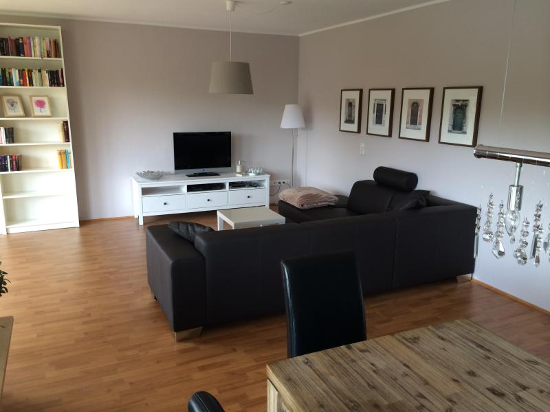 Large apartment to enjoy your stay in Cologne, Ferienwohnung in Köln