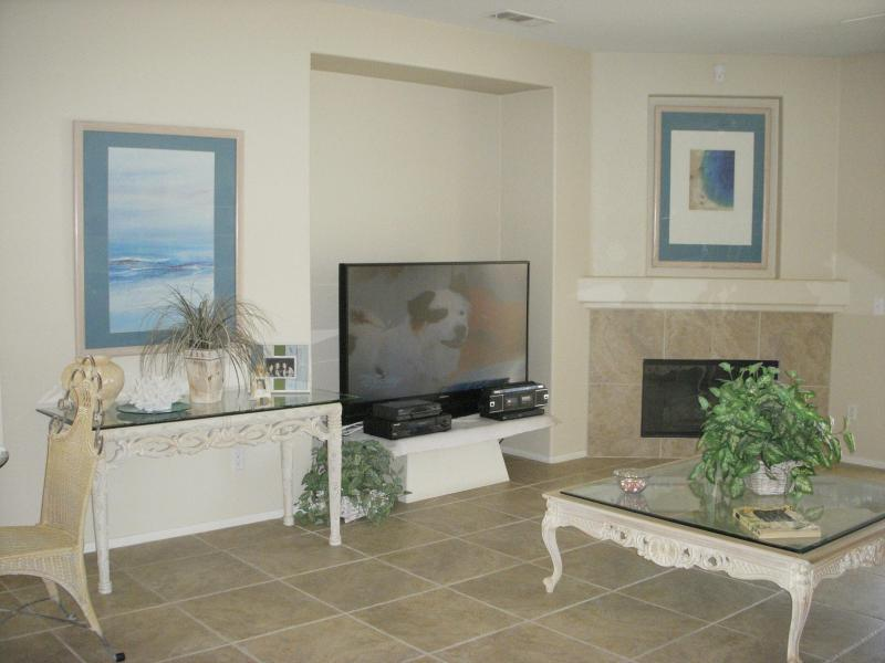 Beautiful Mountain Views in Palm Springs Resort Community, casa vacanza a North Palm Springs