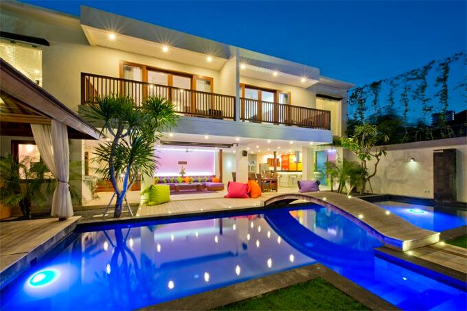 ⭐⭐⭐ True Colors ⭐⭐⭐ 6 bedrooms, max. 26 sleeps, for any Event/Party/Gathering, holiday rental in Kuta