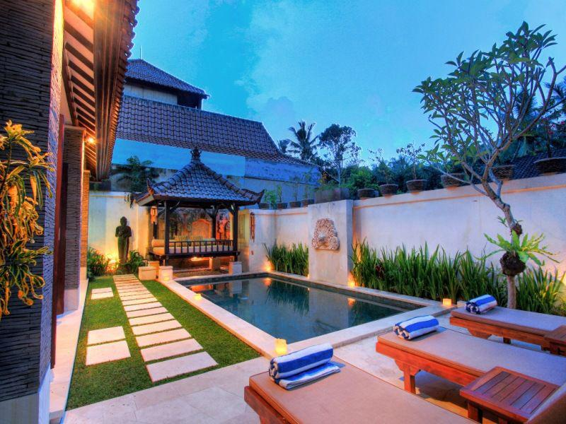 Tropical villa retreat with private pool
