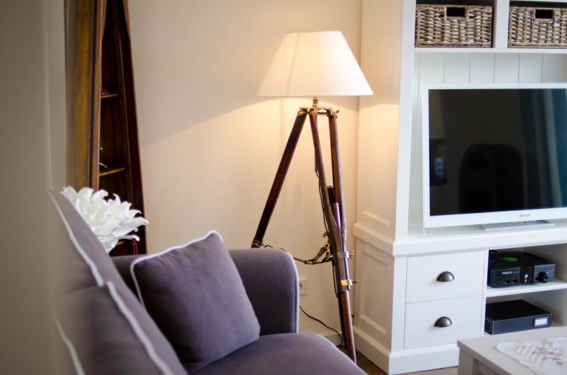 Salon avec écran plat LCD