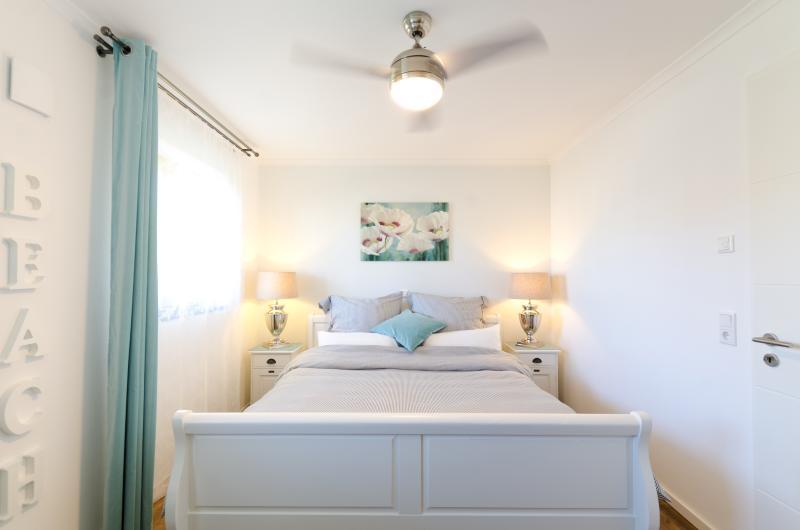 Schlafzimmer mit Ventilator