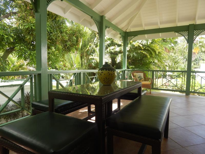 Outside Dining Area - Seats 8-10