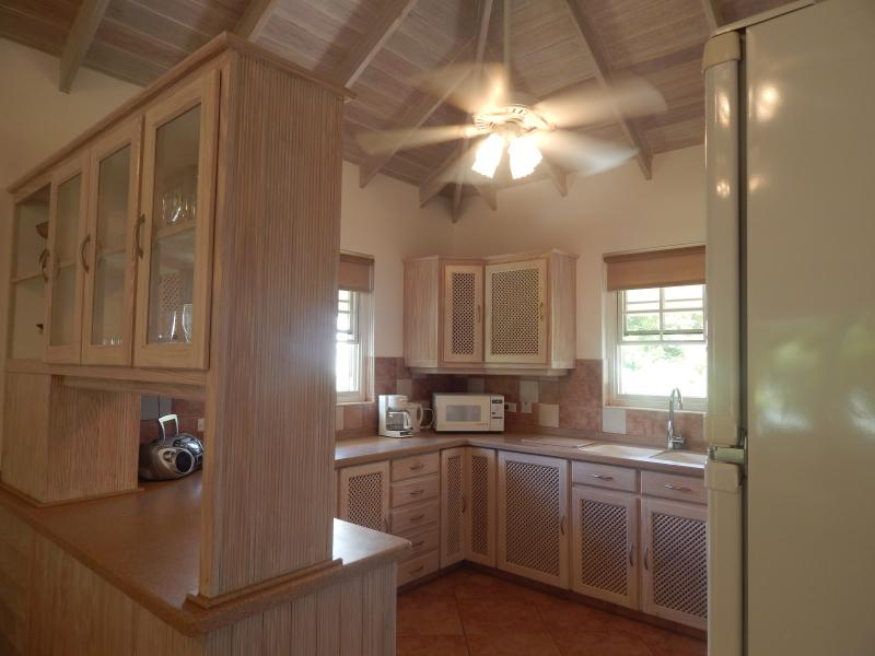 Fully fitted kitchen with all appliances available