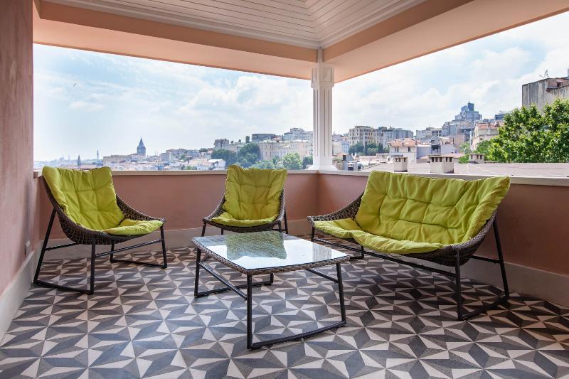 Penthouse Sea view  in Cukur Cuma, vacation rental in Istanbul
