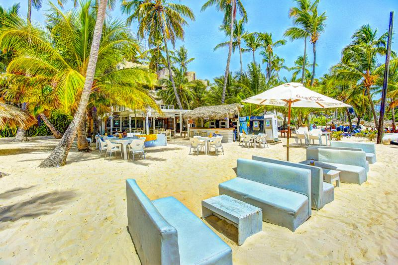Our residence offers beach cafe Soles