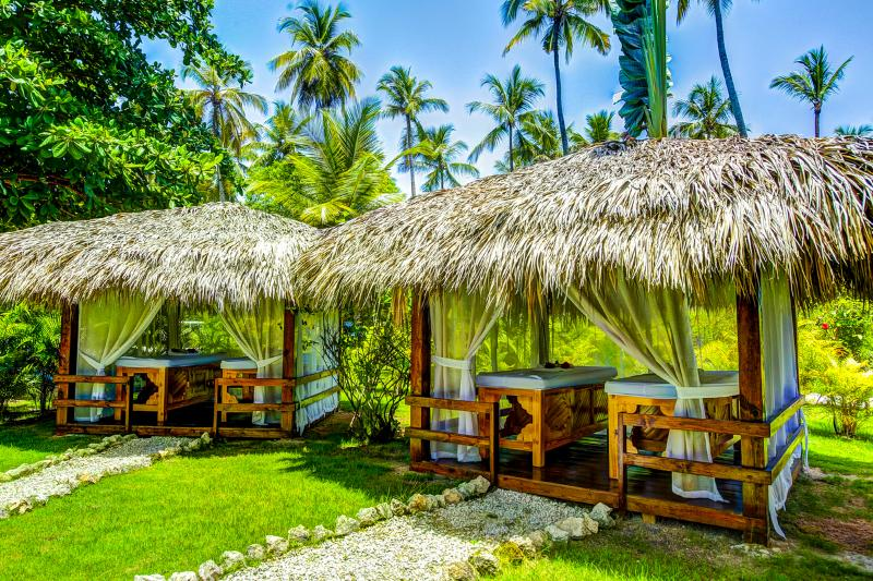 Our residence offers tropical garden with massage