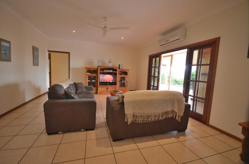 Lounge with Satellite TV, access to Fireplace, Sound & DVD systems