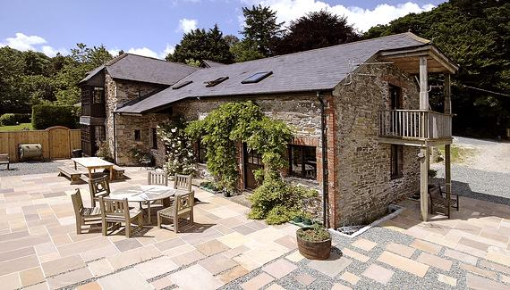 Trussel Barn, self catering and B&B, in a converted Cornish stone barn, In the East Looe Valley
