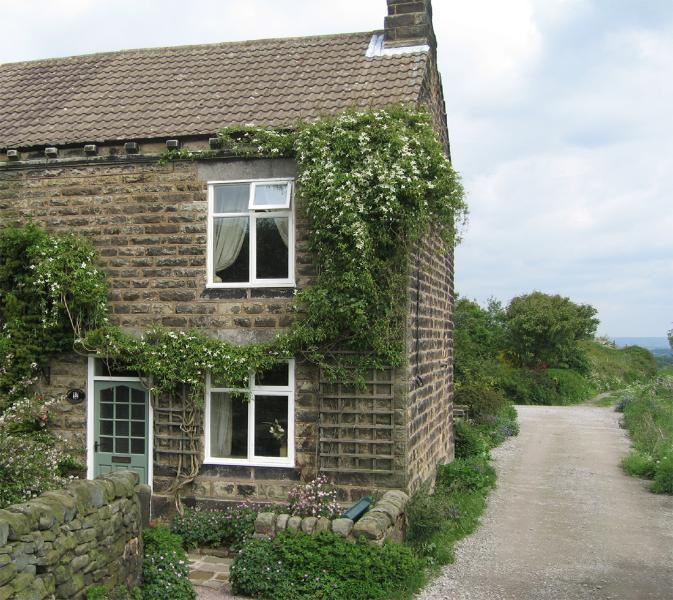 Foxglove Cottage in Derbyshire