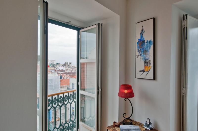 Chiado Apartments - Garrett 5A City Views Lisbon, holiday rental in Montijo