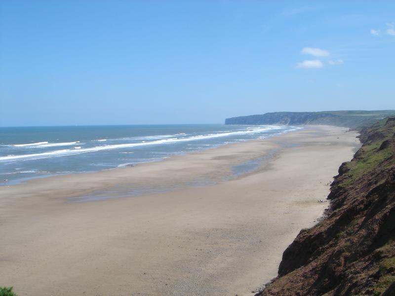 Vista da Baía de Filey o topo do penhasco no The Bay
