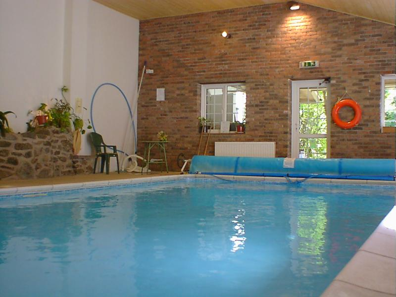 Exclusive use of GORGEOUSly warm heated soft spring water pool. Wonderful to swim then sauna to ease