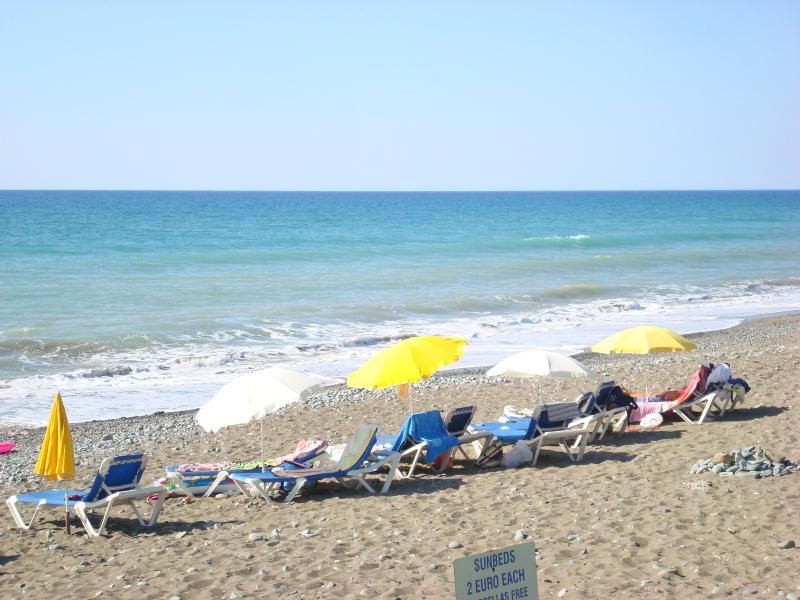 Only 5 mins drive to a very quiet beach with a number of bars and restaurants.