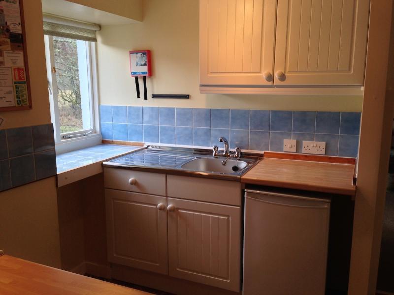 Nueva cocina instalada para el año 2014, espacio adicional para almacenamiento de información