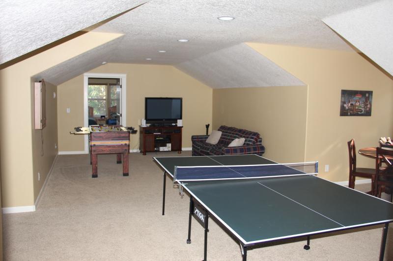 Game room Upstairs