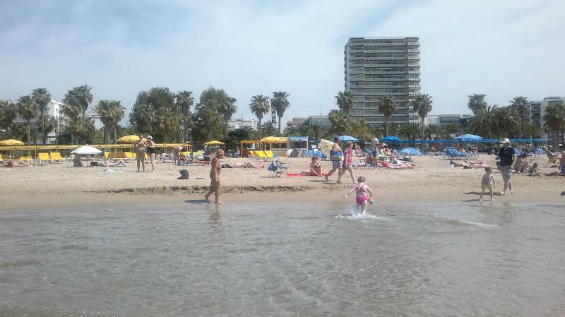 Salou. Apartamento cerca de la playa., location de vacances à Salou