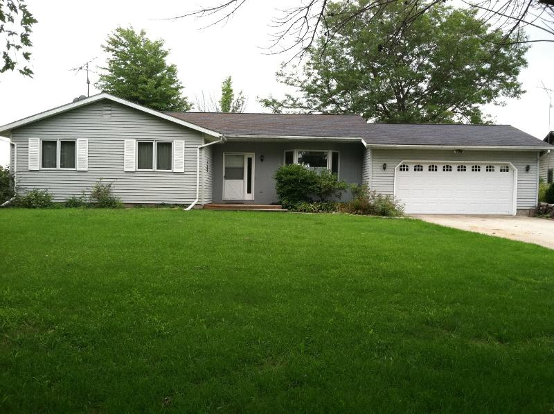 3 BR lakefront Lake Isabella- central michigan, alquiler vacacional en Mecosta County