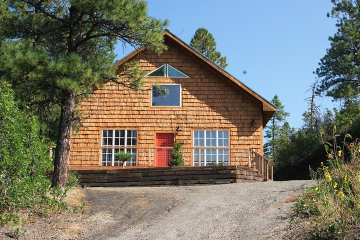 Romantic Cottage Adjoins San Juan National Forest, holiday rental in Pagosa Springs